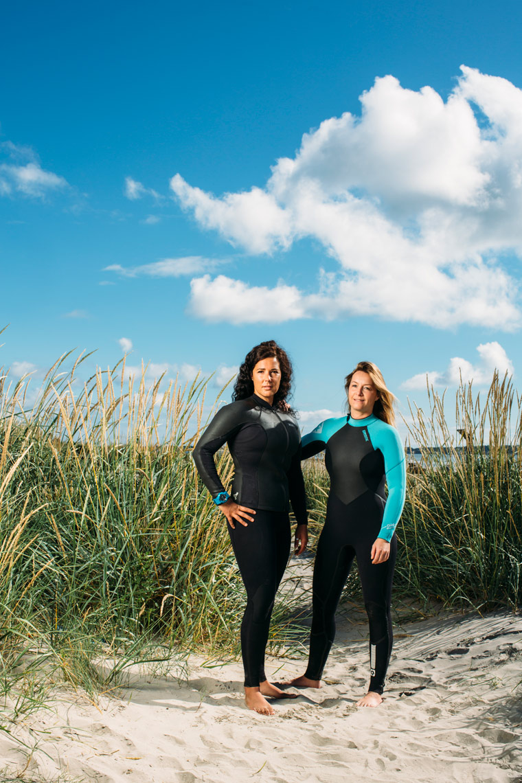 athlete portraits: paddleboarders getting ready